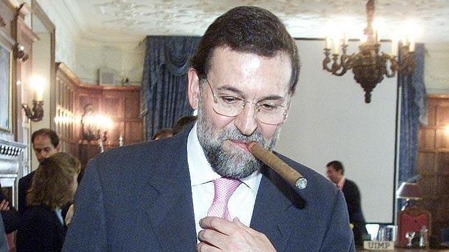Rajoy fumant